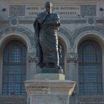 Ovidiu Statuie
