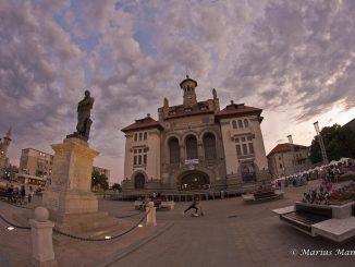 Statue si piata Ovidius